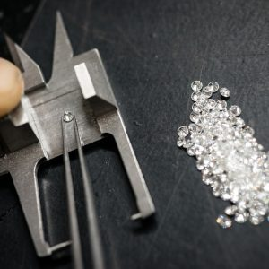 Professional gemstone settings jewellery craft laboratory: Selecting diamonds
